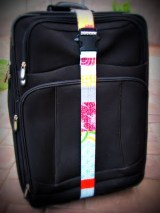 Travel Craft Alert! Homemade luggage strap by i like orange