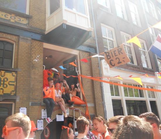 Friendly locals - Queen's Day, Amsterdam